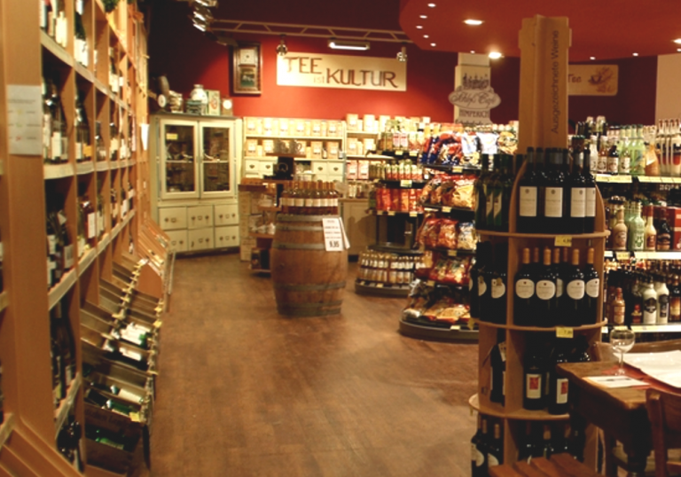 Große Wein & Spirituosenabteilung