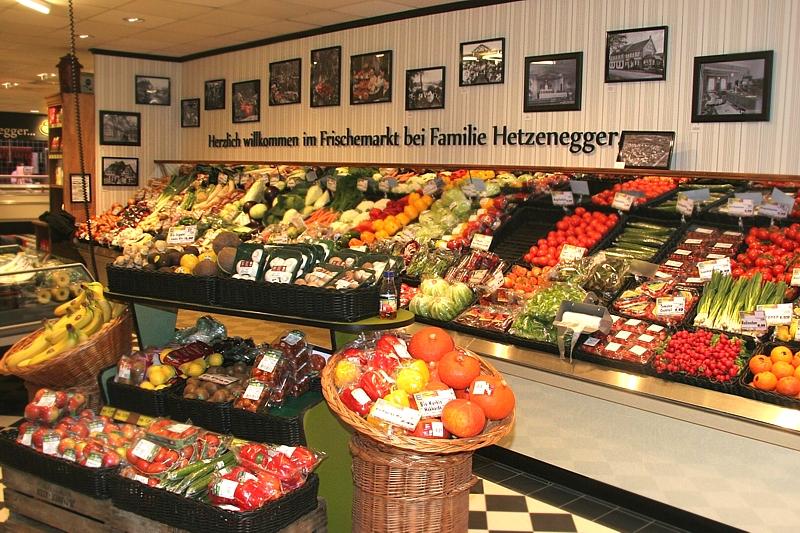 Eingangsbereich mit Gemüseabteilung